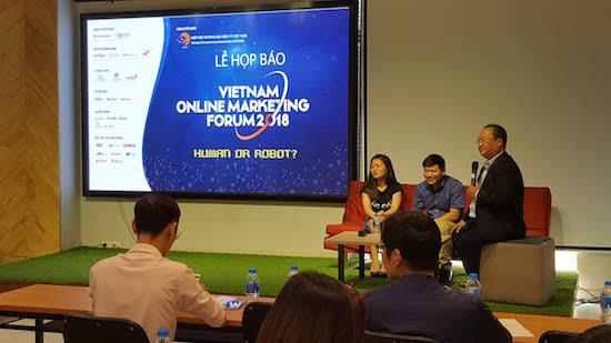 Diễn đàn Tiếp thị trực tuyến Việt Nam - VOMF 2018 quy tụ trên 35 diễn giả hàng đầu về Marketing từ những tổ chức và doanh nghiệp hàng đầu trong lĩnh vực nghiên cứu và kinh doanh tiếp thị trực tuyến, bao gồm Nielsen, Google, Facebook, comScore, Paypal...