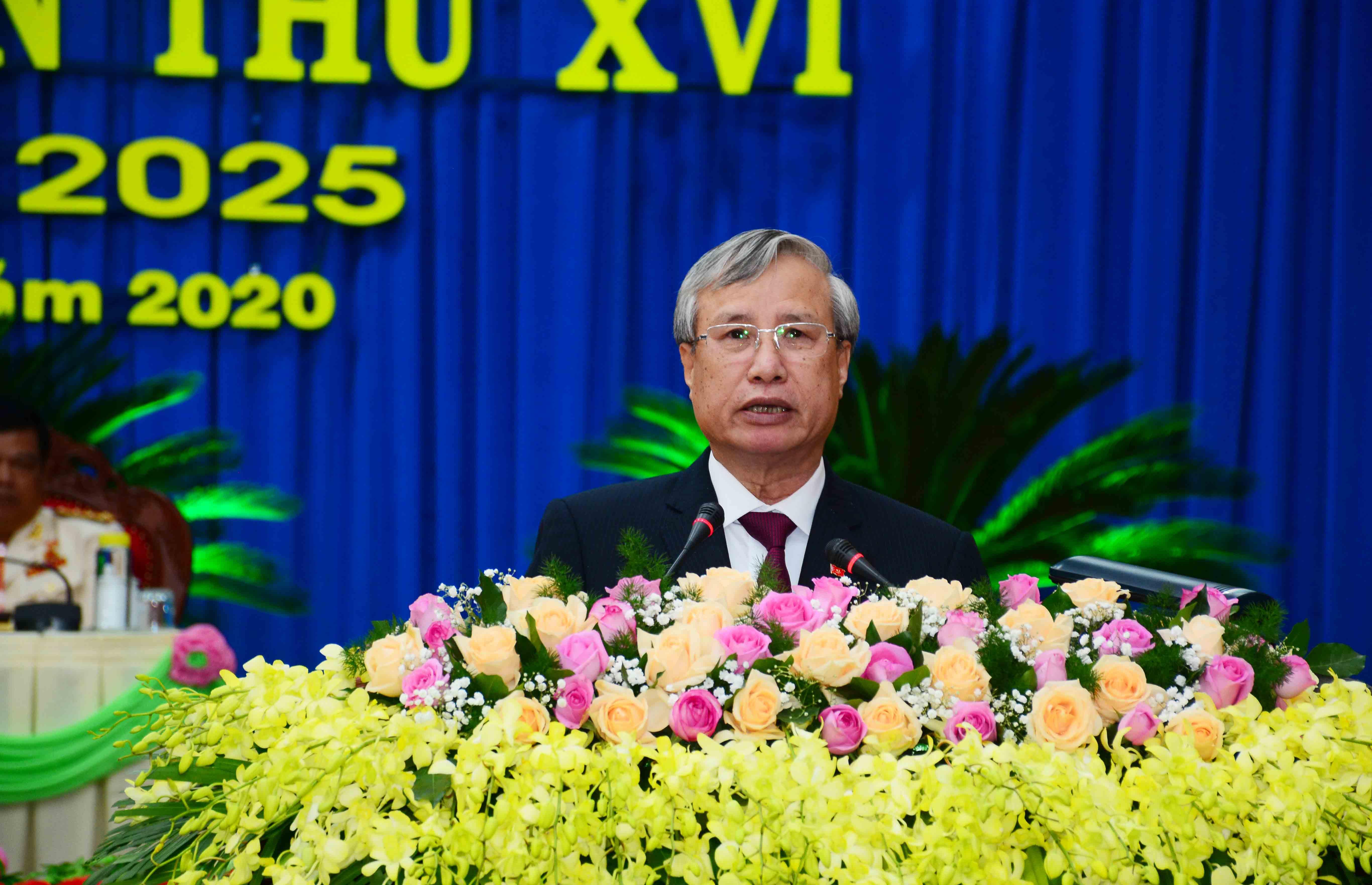 đồng chí Trần Quốc Vượng, Ủy viên Bộ Chính trị, Thường trực Ban Bí thư phát biểu chỉ đạo tại Đại hội. Ảnh: Quang Hồi.