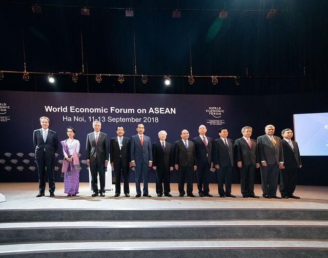 Lãnh đạo cấp cao các nước tham dự phiên khai mạc toàn thể WEF ASEAN