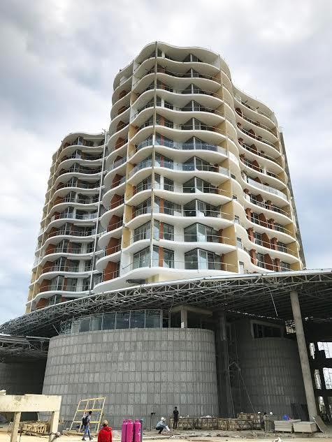 Kiến trúc hiện đại, độc đáo từng chi tiết của InterContinental Phu Quoc Long Beach Resort & Residences, thuyết phục nhiều khách hàng ngay khi đang trong giai đoạn xây dựng và gấp rút hoàn thiện.