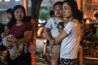 Cháy nhà Nơ 1B Linh Đàm giữa đêm, hàng trăm người dân tháo chạy