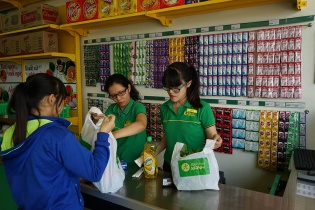 Bách hóa Xanh bắt tay Vinamilk và Unilever